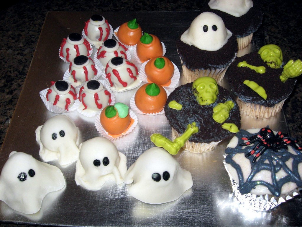 cakeballs: ghosts, eyeballs, pumpkins; ghoulish cupcakes