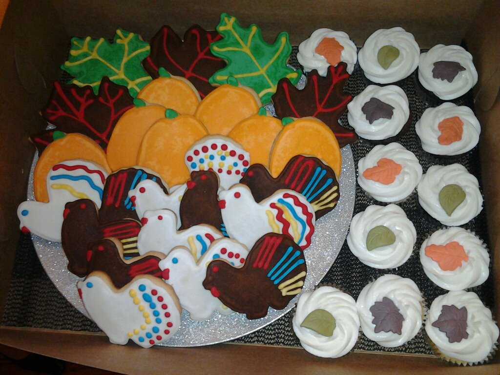 Thanksgiving cookies, pumpkins, cupcakes